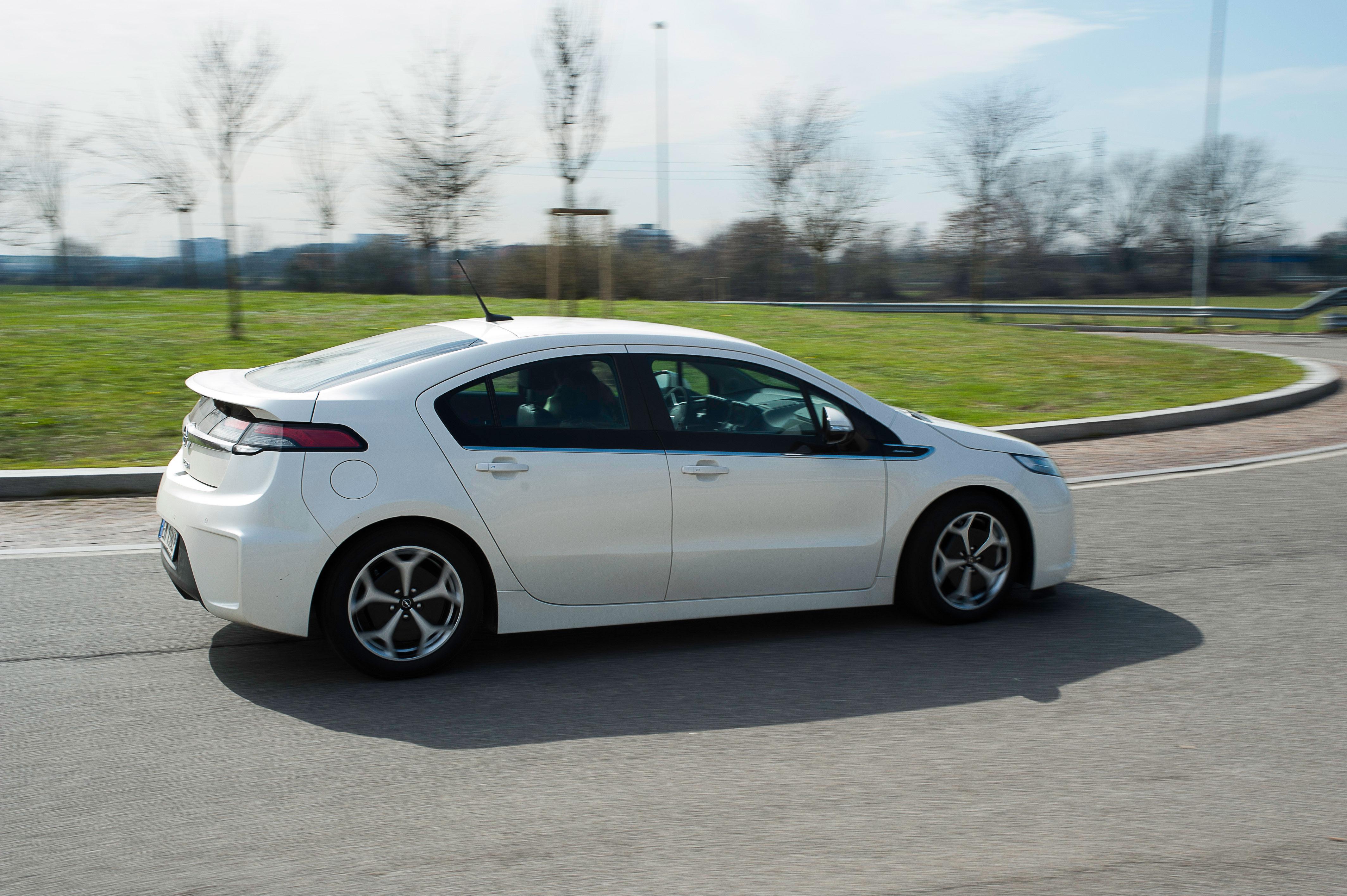 Opel Ampera Veicoli Elettrici News