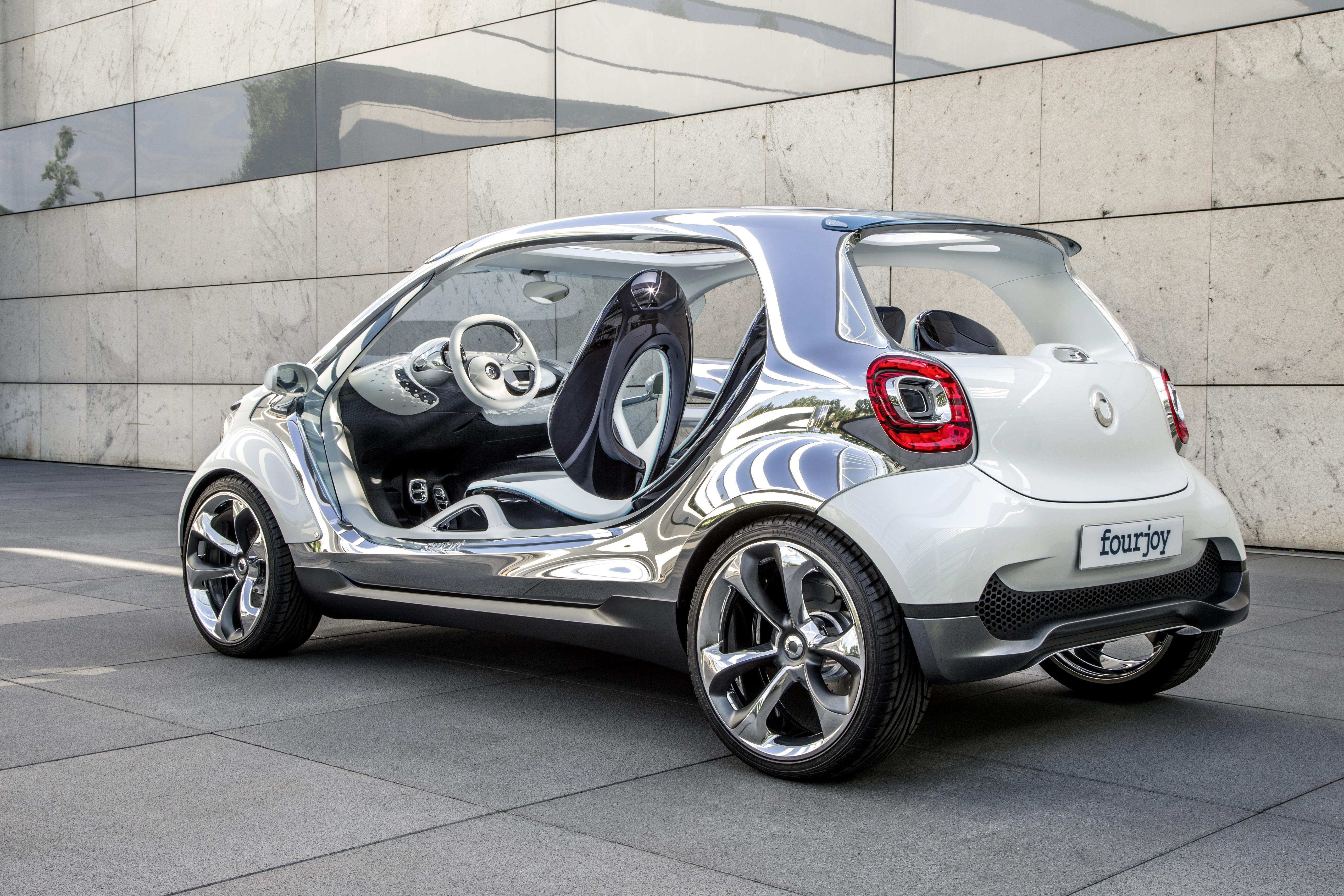 smart fourjoy 4 posti zero emissioni ed un modo nuovo di concepire l auto veicoli elettrici. Black Bedroom Furniture Sets. Home Design Ideas