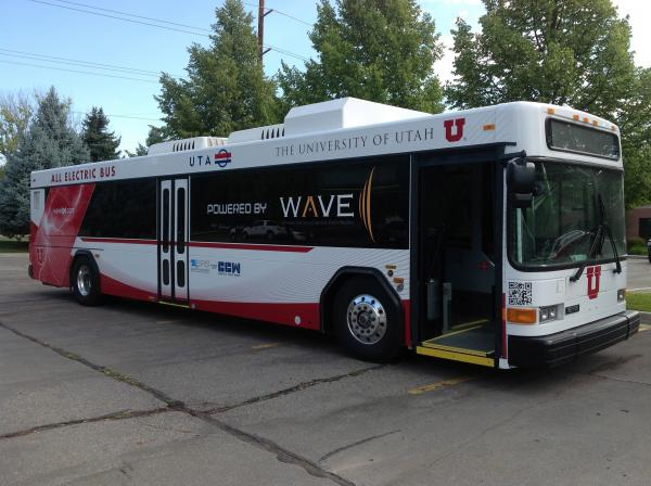 WAVE wireless electric bus