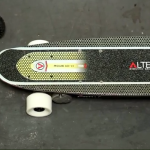 Altered Pro Line V3 DS skateboard elettrico - via Gizmag.com