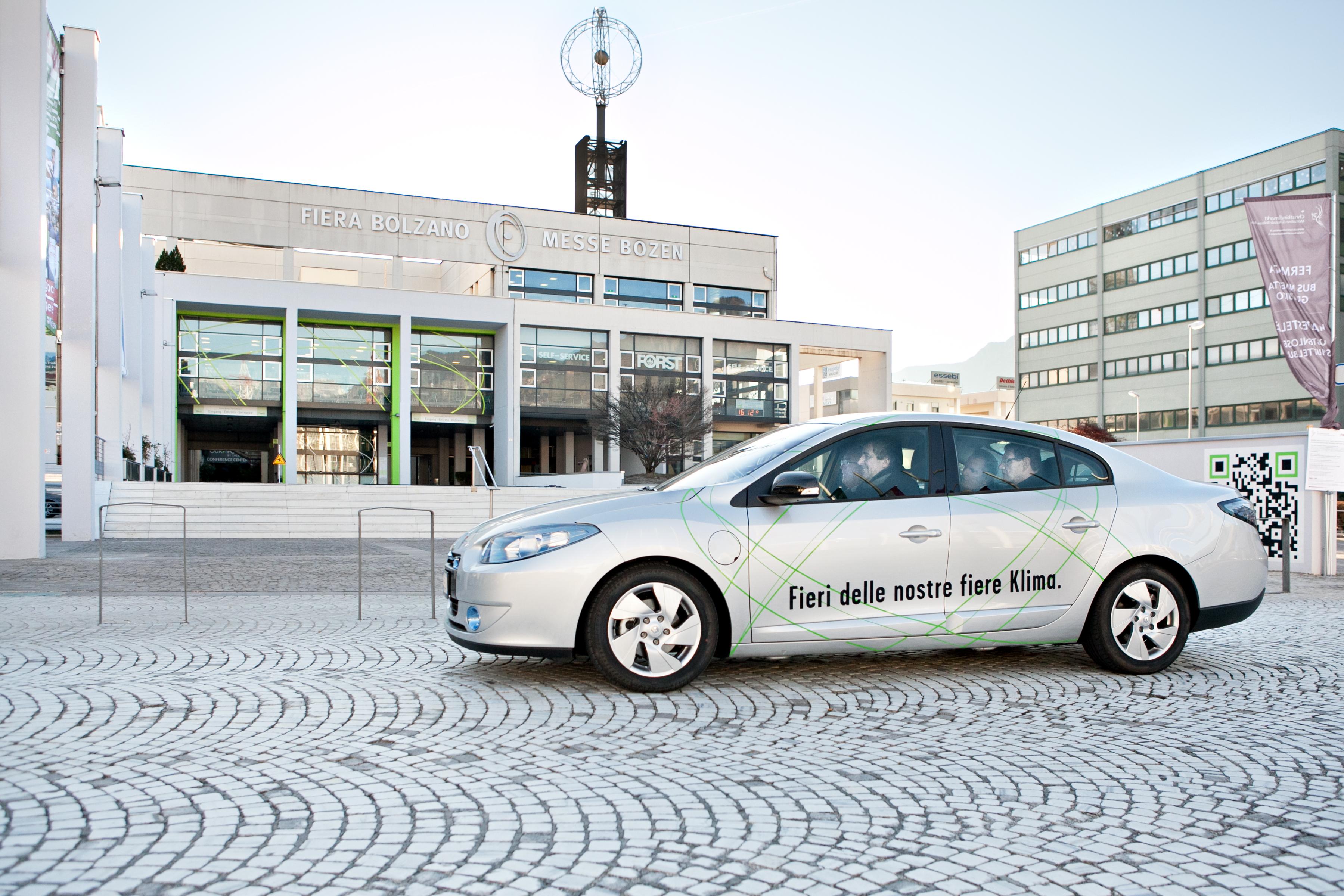 La Renault Fluence Z.E. elettrica donata al Comune di Bolzano
