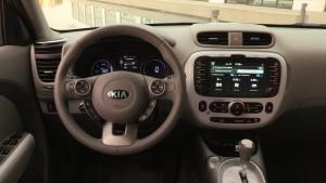 kia-debutta-nella-windy-city-con-il-primo-veicolo-elettrico-per-il-mercato-di-massa-8022_1_2