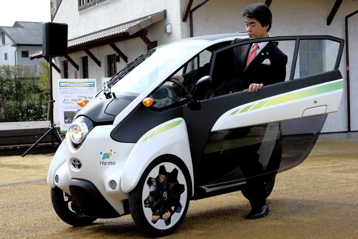 toyota i road presto nel car sharing di grenoble veicoli elettrici. Black Bedroom Furniture Sets. Home Design Ideas