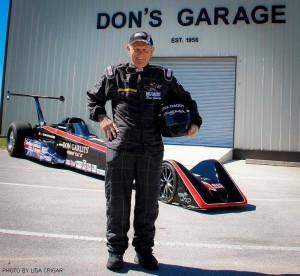 Don Garlits posa assieme al Quest electric dragster - Credit: Quest for 200 mhp on Facebook