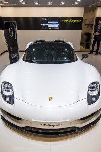 Porsche 918 Spyder PHEV - photo credit: GmanViz via photopin cc