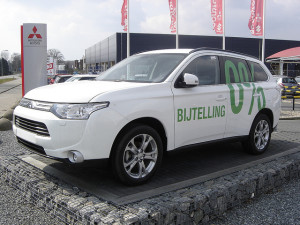 Mitsubishi Outlander PHEV - photo credit: harry_nl via photopin cc