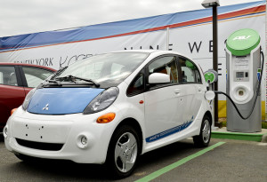 Mitsubishi i-MiEV - photo credit: WSDOT via photopin cc