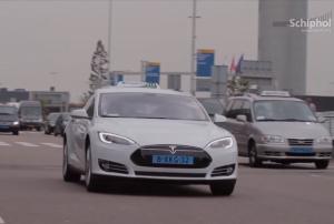 Tesla Model S taxi Amsterdam Schiphol