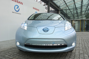 photo credit: Nissan LEAF front via photopin (license)