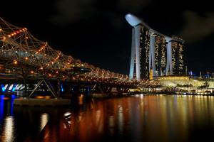 photo credit: Helix Bridge & Marina Bay Sands via photopin (license)