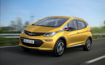Opel porta in Europa la Bolt elettrica: scelto il nome di Ampera-e