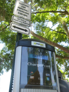 photo credit: ChargePoint electric car recharging station on USF's Tampa campus via photopin (license)
