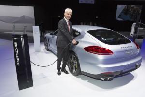 Porsche Universal Charger