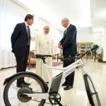 papa francesco-smart ebike