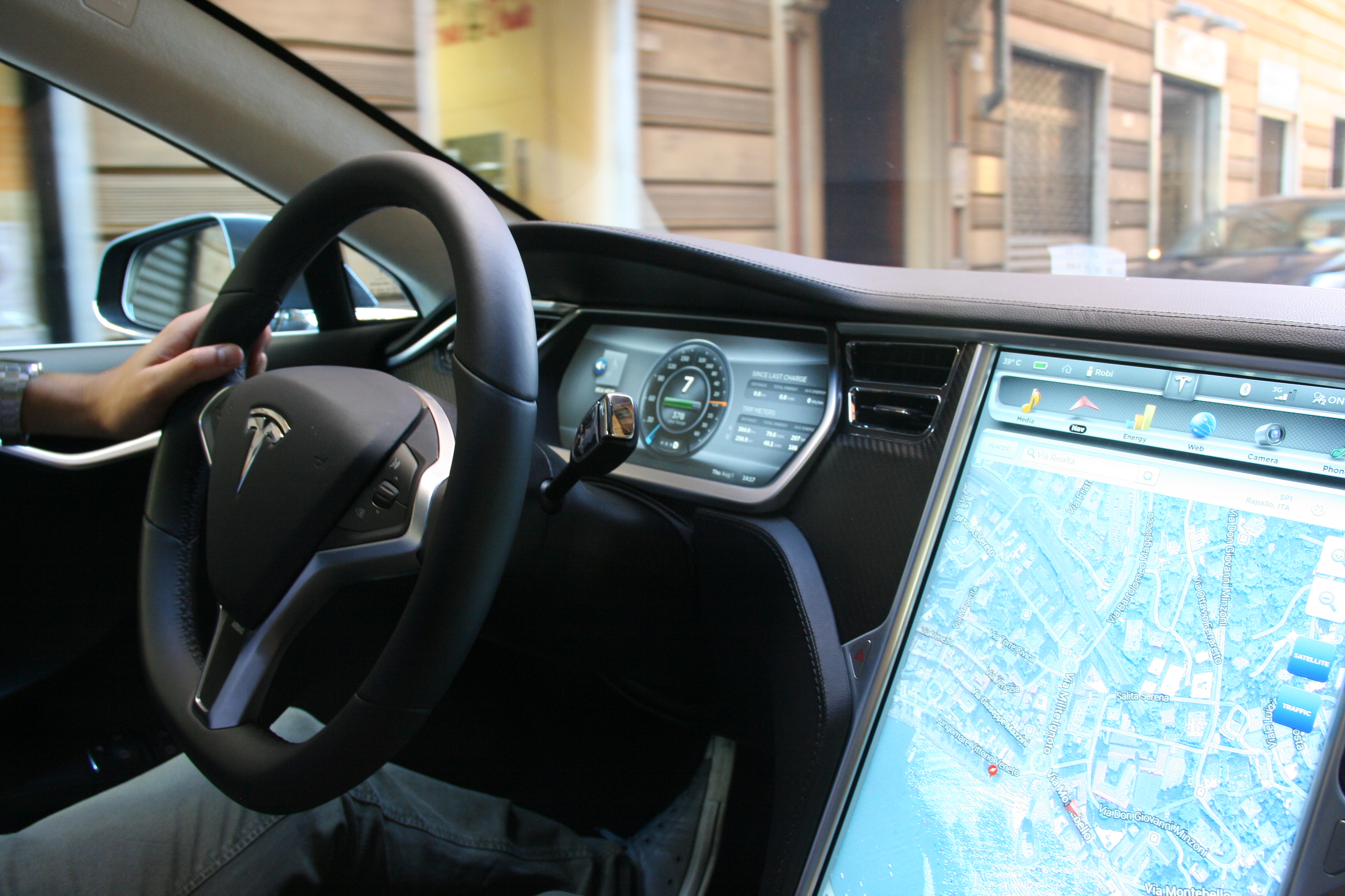 Tesla Model S - photo: Andrea Lombardo