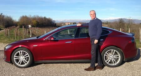 8.000 km elettrici in un mese con una Model S