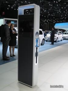 Volkswagen CCS Quick Charger @ Salone di Ginevra 2014 – Credit: InsideEVs