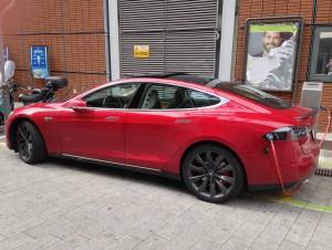Tesla Model S a Genova - photo: Andrea Lombardo