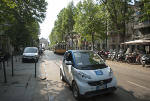 In un anno, il servizio car2go nel capoluogo lombardo ha raggiunto 70.000 iscritti e una media di 25.000 noleggi settimanali