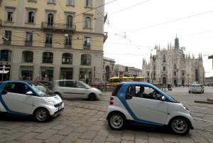 Ideale per le città, la smart è piccola, agile, facilmente parcheggiabile, consuma poco e inquina meno rispetto alle altre auto con motore endotermico