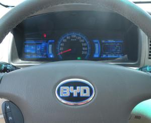 photo credit: coche electrico BYD F3DM volante via photopin (license)