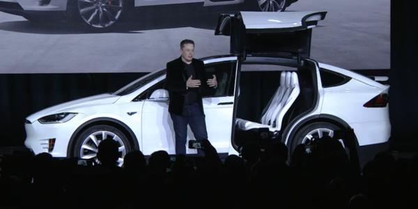 Tesla Model X, la presentazione di Elon Musk – Credit TeslaMotors – 4