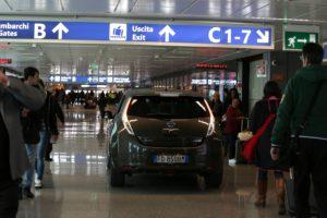 Nissan Leaf: la mobilità elettrica apre nuove rotte in aeroporto
